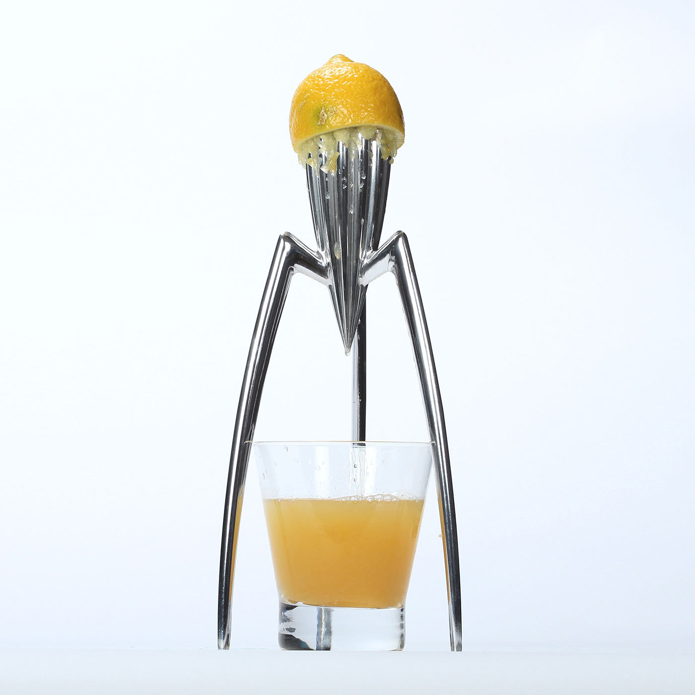 juicy salif citrus squeezer by alessi 1990. Black Bedroom Furniture Sets. Home Design Ideas