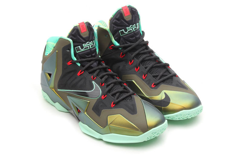 $200 OCT 12 LAUNCH: SATURDAY, OCTOBER 12, 2013 - 8:00 AM EST Parachute Gold/Arctic Green-Dark Loden-Blue Sizes: Sizes: 7-13, 14, 15 Nike LeBron 11 Color: ...